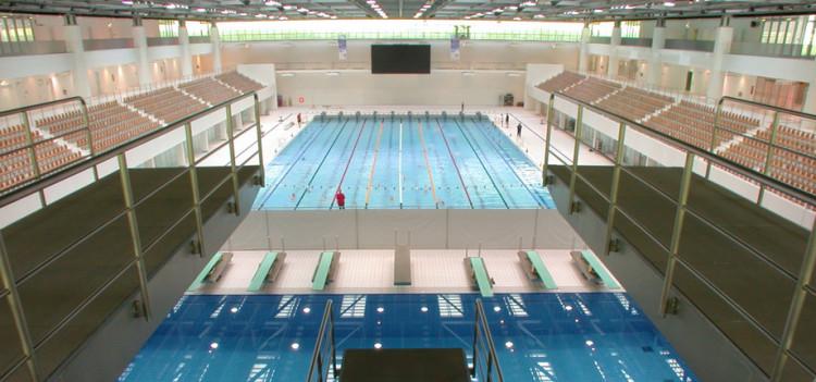 Schwimm- und Sprunghalle im Europasportpark